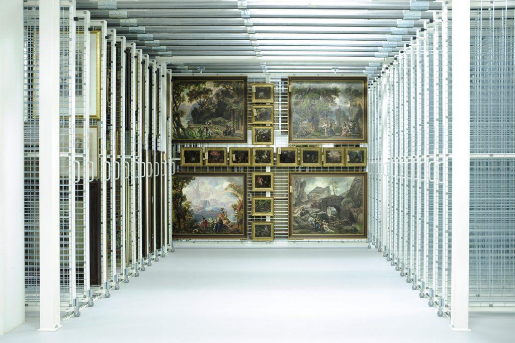 Museumsdepot mit Gemäldezuganlage im Richard Wagner Museum Bayreuth